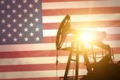 Oil pump with flag of USA — Stock Photo