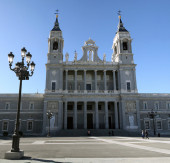 Almudena Cathedral in Madrid — Stock Photo