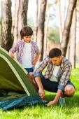 Learning basics of camping — Stock Photo