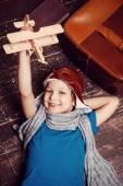 Little boy in pilot headwear and eyeglasses — Stockfoto