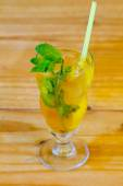 Mint Mojito Mixed Drink at Bar — ストック写真