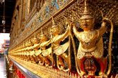 Estatuas de oro garuda — Foto de Stock