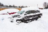 Carro coberto de neve — Fotografia Stock