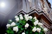 Floral decoration for weddings in church — Stock Photo