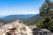 Rocky Ledge Mountain Valley Landscape — Stock Photo