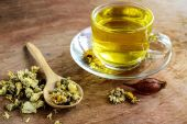 Chinese Chrysanthemum Tea on old wooden — Stock Photo