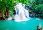 Amazing waterfall at Huay Mae Khamin — Stock Photo
