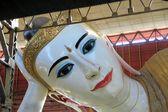Huge reclining Buddha in Yangon, Myanmar — Stock Photo
