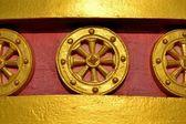 Buddhist wheel of the law or dhamma cakka — Stock Photo