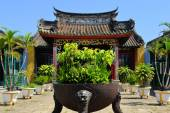 Chinese style Buddhist pagoda temple in Hoi An, Vietnam — Stock Photo