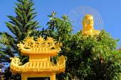 Giant sitting golden Buddha.,Dalat, Vietnam — Stock Photo