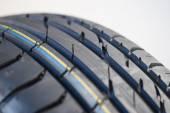 新的夏季轮胎特写 — 图库照片