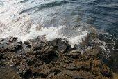 Aegean shore in Greece, Thassos island - waves and rocks — Foto de Stock