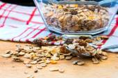 Granola cereal with raisins and nuts — 图库照片