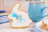 Beyaz Paskalya bunny tavşan zencefilli kurabiye — Stok fotoğraf