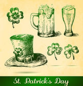 Beers with clovers for St Patrick's day — Stock Vector