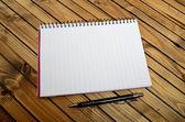 Пустой Блокнот и ручка — Стоковое фото