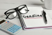 Deadline word on notebook — Stock Photo