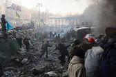 Kiev, Ukraine - January 25, 2014: Euromaidan. Mass protest actions on Grushevskogo St. — Stock Photo