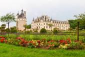 城堡和花园的看法 — 图库照片