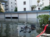 Bicycle submerged by the flood — Stok fotoğraf