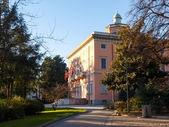 Villa Ciani inside the botanical garden — Stockfoto