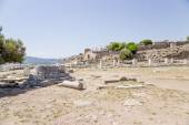 Cropolis of Pergamum, Turkey. Ruins of ancient buildings in the archaeological area — Stock Photo