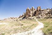 Καππαδοκία, Τουρκία. Βράχια με σπηλιές μέσα στο εθνικό πάρκο του Γκιόρεμε — Φωτογραφία Αρχείου