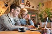 Young couple on the internet — Stock Photo