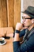 Enjoying some music and coffee — Stock Photo