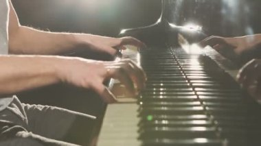 Finger on the piano, vintage colors. — Stock Video
