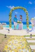 Wedding Ceremony at the Tropical Coast Line — Stock Photo