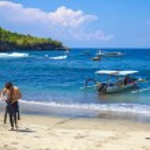 Tropical coastline of Nusa Penida island. — Stock Photo #74966541