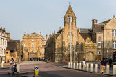 The Royal Mile and the Palace of Holyroodhouse in Edinburgh, Sco — Stock Photo