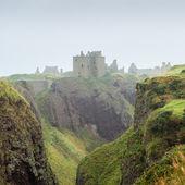 Dunnottar castle shrouded in myst — Stock Photo