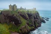 Dunnottar castle promontory and sea — Stock Photo