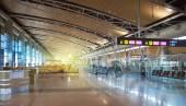 MADRID, SPAIN - MAY 28, 2014: Interior of Madrid airport, departure waiting aria — Stock Photo