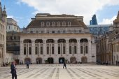 LONDON, UK - JUNE 30, 2014: Guildhall Yard buildings, originated 1440 — Stock Photo