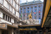 LONDON, UK - 22 JULY, 2014: Savoy hotel, one of the best holes in London and Europe. Main entrance — Stock Photo