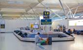 LONDON, UK - MAY 28, 2014: Stansted airport, luggage waiting area — Stock Photo