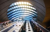 Canary Wharf tube underground station — Stock Photo