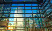 LONDON, UK - NOVEMBER 29, 2014: Canary Wharf modern glass architecture of famous office buildings — Stock Photo