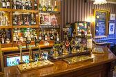 CAMBRIDGE, UK - JANUARY 18, 2015: Interior of old Cambridge tavern, public house — Stock Photo