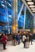 LONDON, UK -  MARCH 28, 2015: Heathrow airport Terminal 5. People waiting arrivals — Stock Photo