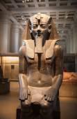 LONDON, UK - NOVEMBER 30, 2014: British museum Egyptian sculpture hall, Pharaoh Rameses — Stock Photo