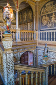 SUSSEX, UK - APRIL 11, 2015: Sevenoaks  Old english mansion interior. Painted stairs — Stock Photo