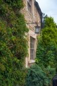 Chippenham, i̇ngiltere - ağustos 9, 2014: castle combe, benzersiz eski i̇ngiliz köyü. — Stok fotoğraf