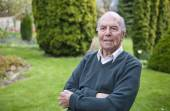 Portrait of 95 years old english man in his garden — Stock Photo