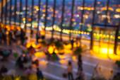 London's night life. Blur people in cafe and night lights — Stock Photo