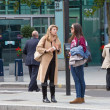 London, Two young woman talking in Holborn street — Stock Photo #84126822